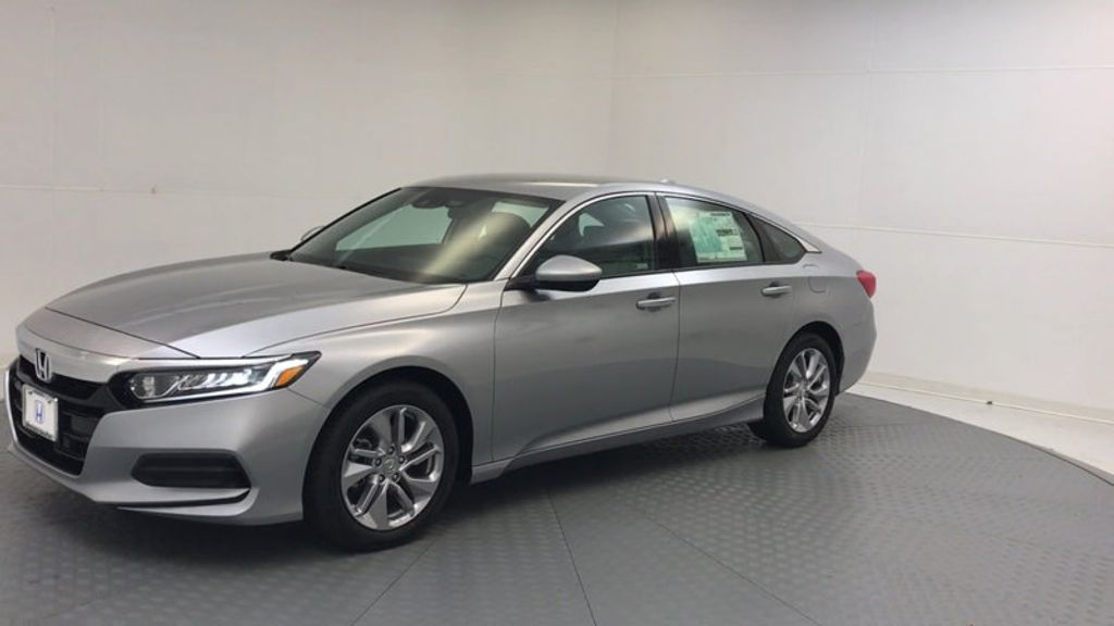 2018 Honda Accord Sedan LX CVT - 17261875 - 3