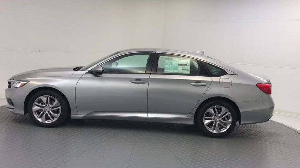 2018 Honda Accord Sedan LX CVT - 17261875 - 4