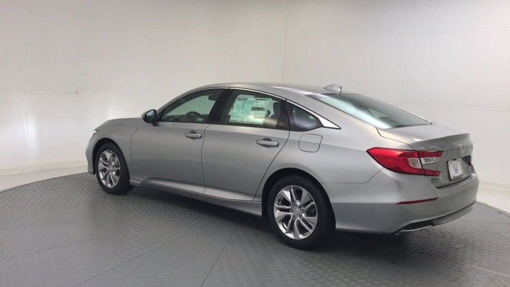 2018 Honda Accord Sedan LX CVT - 17261875 - 5