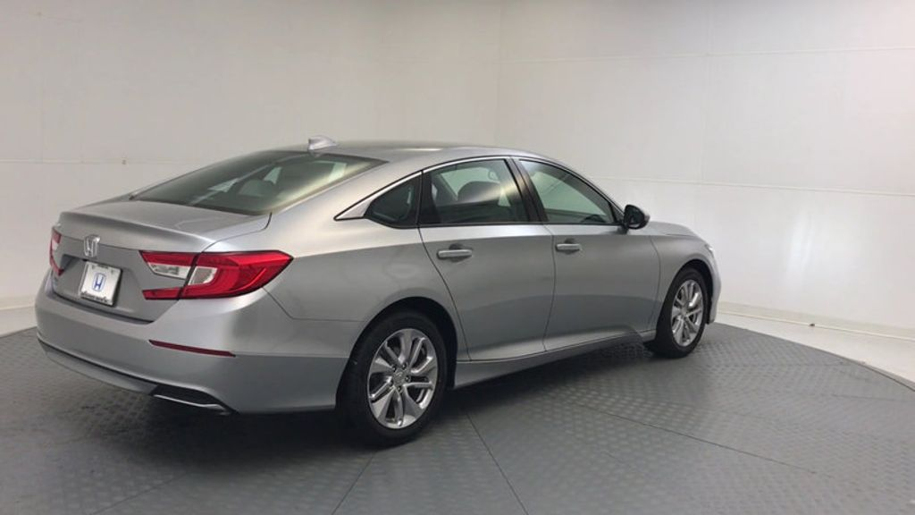 2018 Honda Accord Sedan LX CVT - 17261875 - 7