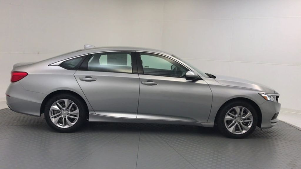 2018 Honda Accord Sedan LX CVT - 17261875 - 8