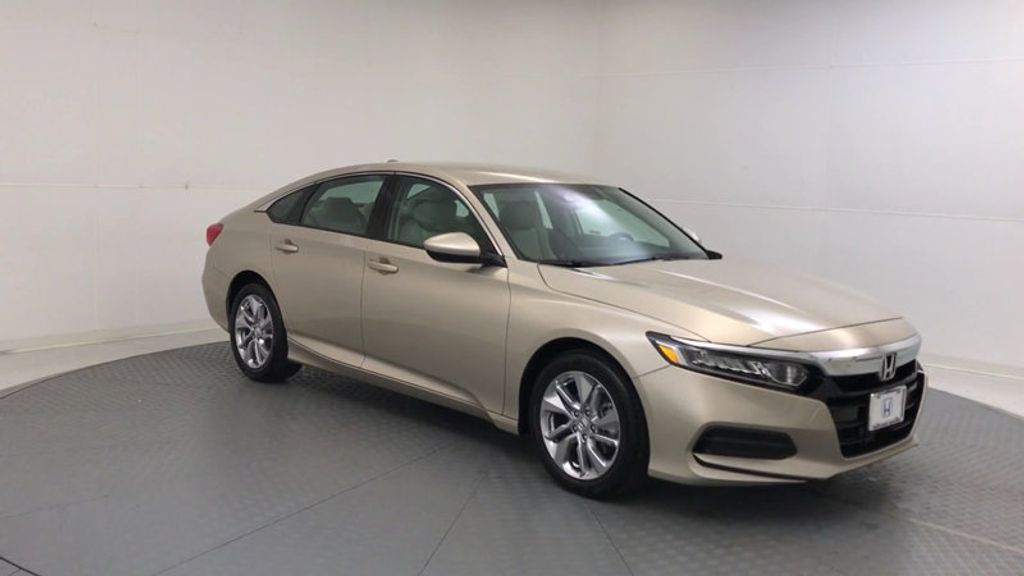 2018 Honda Accord Sedan LX CVT - 17415171 - 1