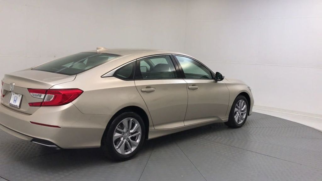 2018 Honda Accord Sedan LX CVT - 17415171 - 7
