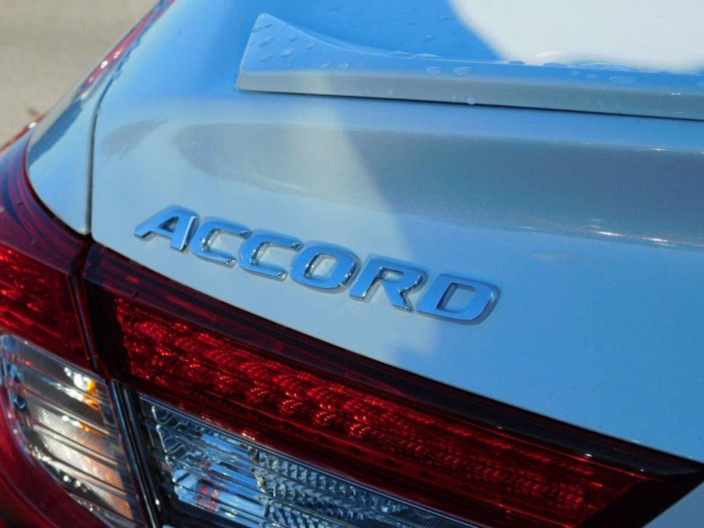 2018 Honda Accord Sedan Sport 2.0T Manual - 18294152 - 9