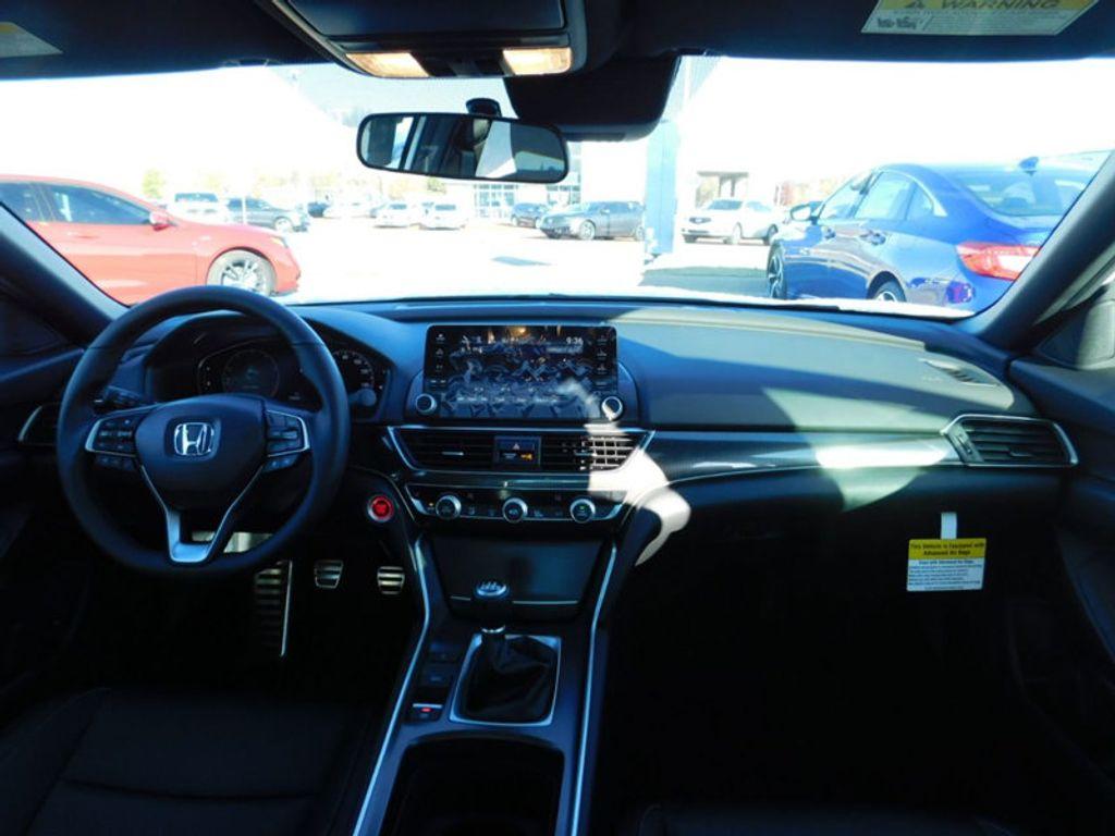 2018 Honda Accord Sedan Sport 2.0T Manual - 18294152 - 5