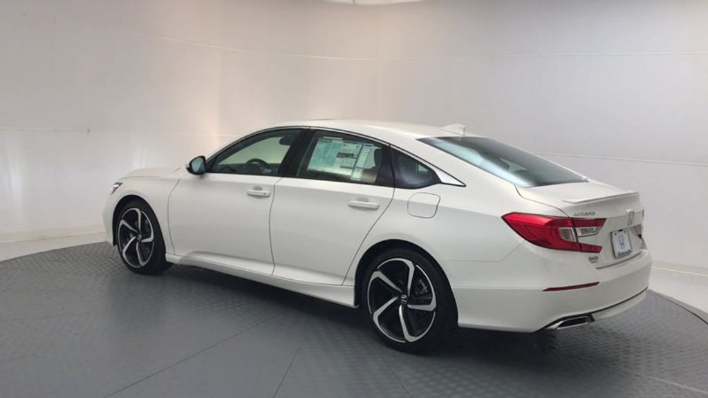 2018 Honda Accord Sedan Sport 2.0T Manual - 17237787 - 5