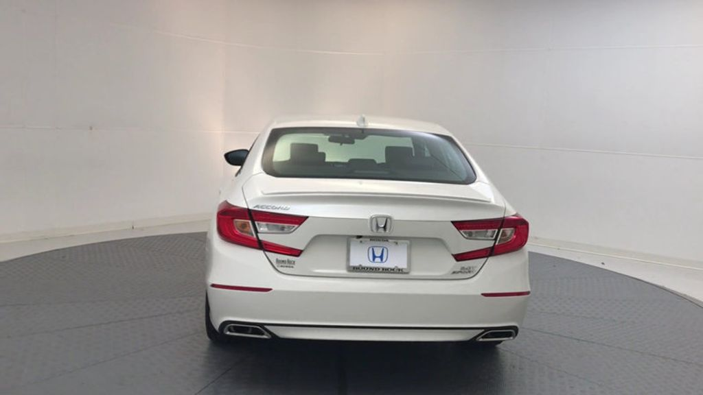 2018 Honda Accord Sedan Sport 2.0T Manual - 17237787 - 6