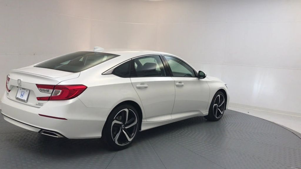 2018 Honda Accord Sedan Sport 2.0T Manual - 17237787 - 7