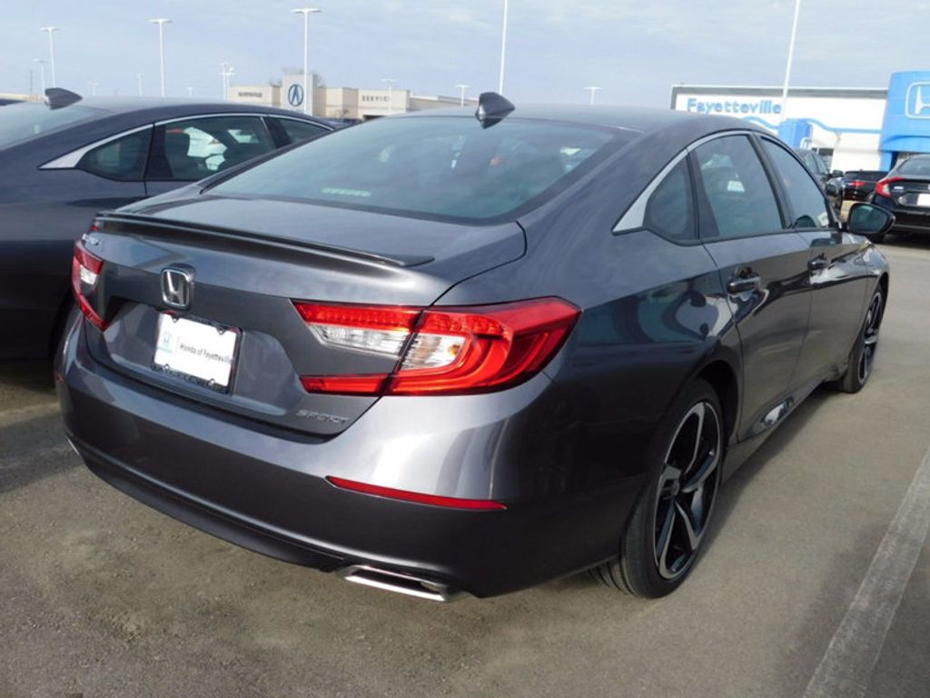 2018 Honda Accord Sedan Sport CVT - 17092335 - 2