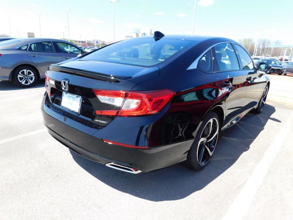 2018 Honda Accord Sedan Sport CVT - 17498666 - 2