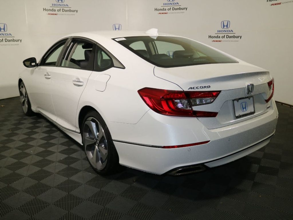 2018 Honda Accord Sedan Touring 2.0T Automatic - 17762153 - 4