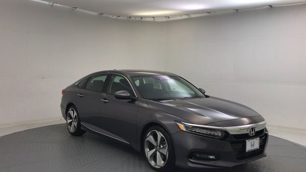 2018 Honda Accord Sedan Touring CVT - 16990151 - 1