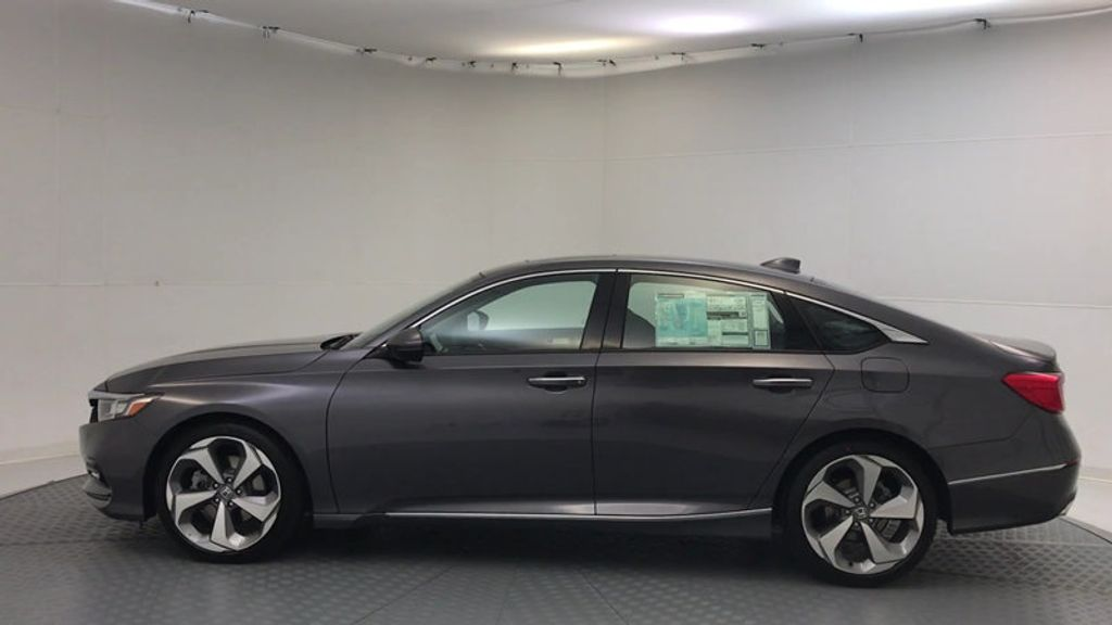 2018 Honda Accord Sedan Touring CVT - 16990151 - 4