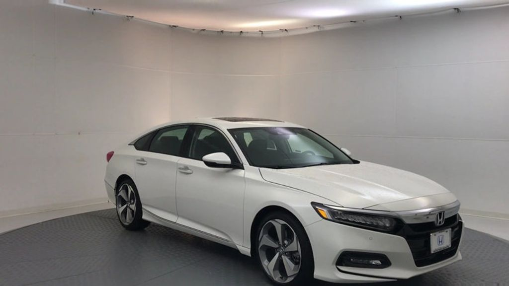 2018 Honda Accord Sedan Touring CVT - 17113813 - 1