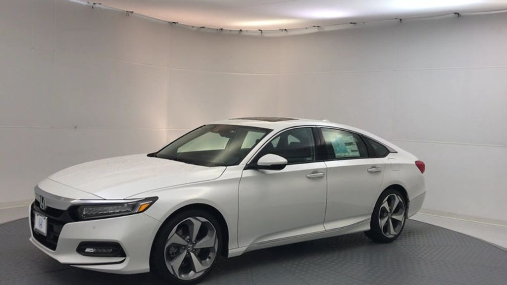 2018 Honda Accord Sedan Touring CVT - 17113813 - 3