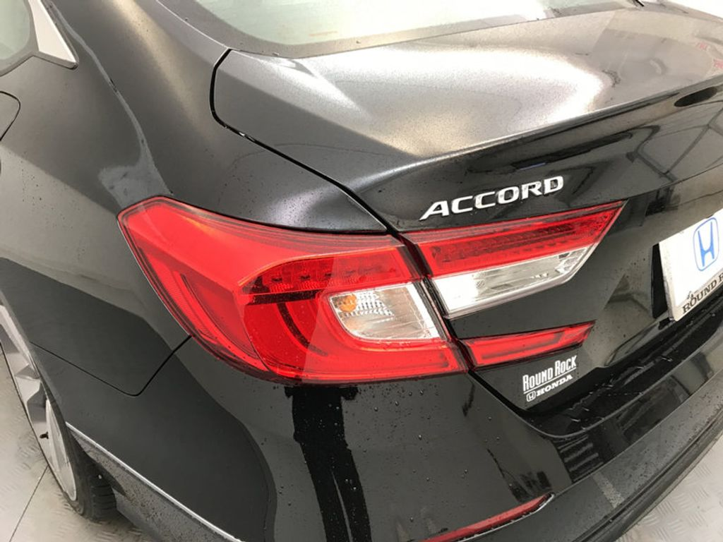 2018 Honda Accord Sedan Touring CVT - 17186557 - 11