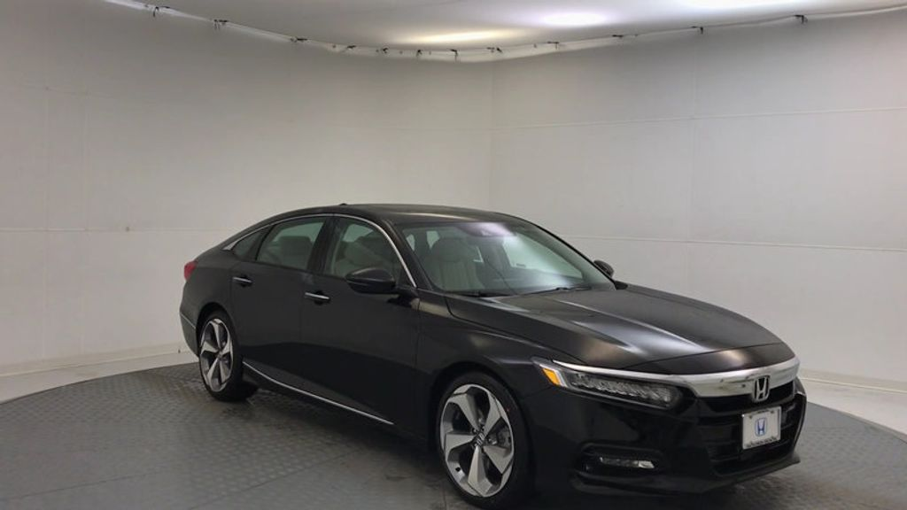 2018 Honda Accord Sedan Touring CVT - 17186557 - 1