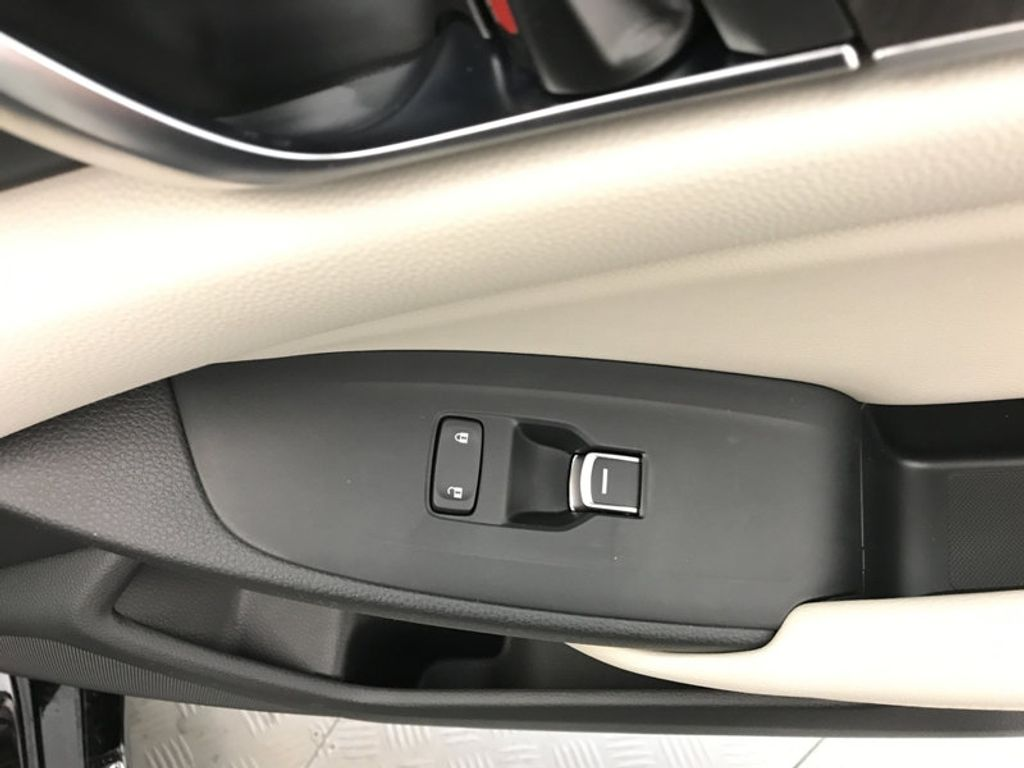 2018 Honda Accord Sedan Touring CVT - 17186557 - 28