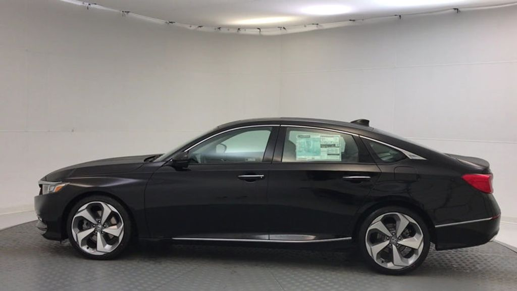 2018 Honda Accord Sedan Touring CVT - 17186557 - 4