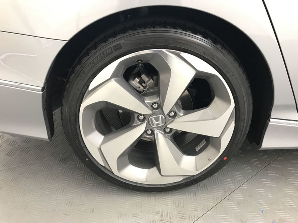 2018 Honda Accord Sedan Touring CVT - 17532732 - 15