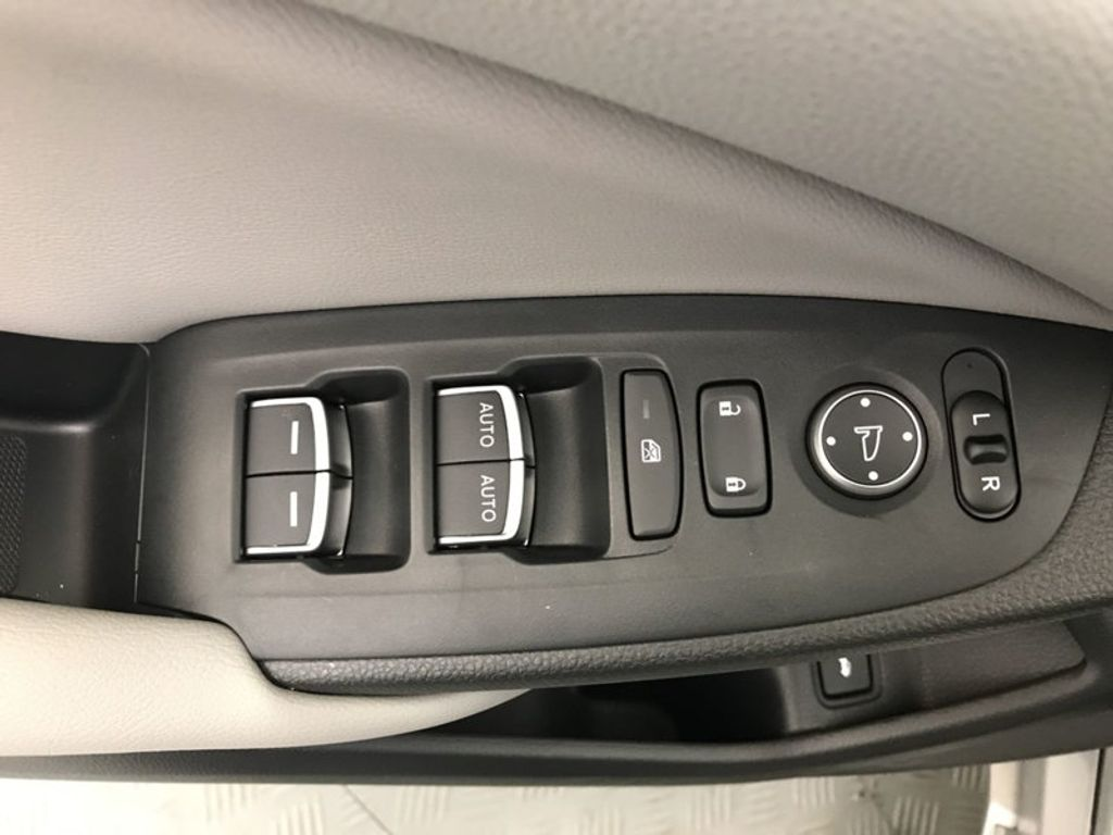 2018 Honda Accord Sedan Touring CVT - 17532732 - 18