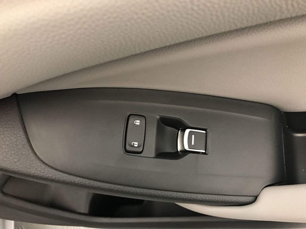 2018 Honda Accord Sedan Touring CVT - 17532732 - 28