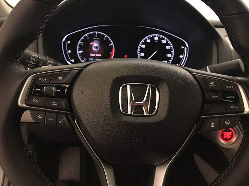2018 Honda Accord Sedan Touring CVT - 17532732 - 31