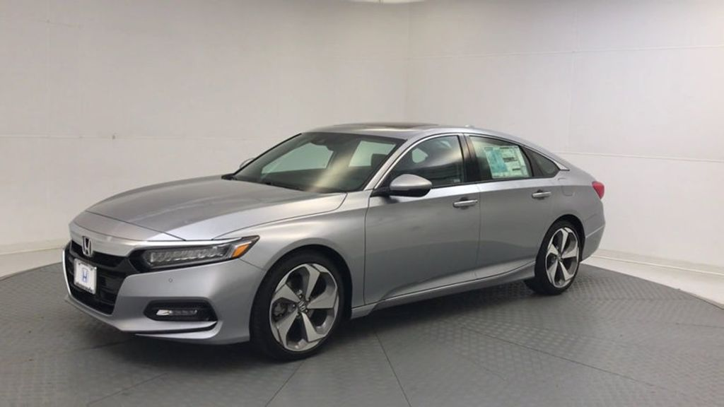 2018 Honda Accord Sedan Touring CVT - 17532732 - 3