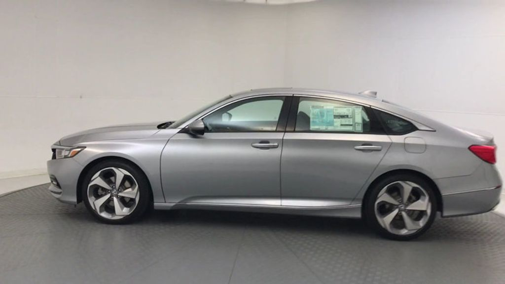 2018 Honda Accord Sedan Touring CVT - 17532732 - 4