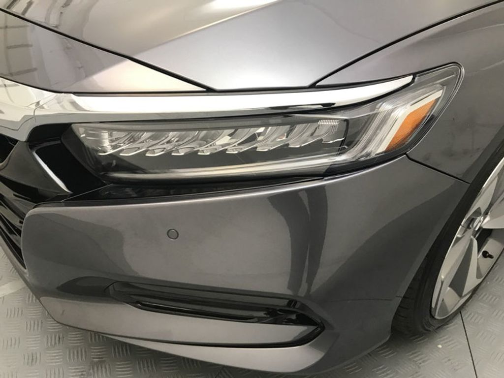 2018 Honda Accord Sedan Touring CVT - 17805378 - 9