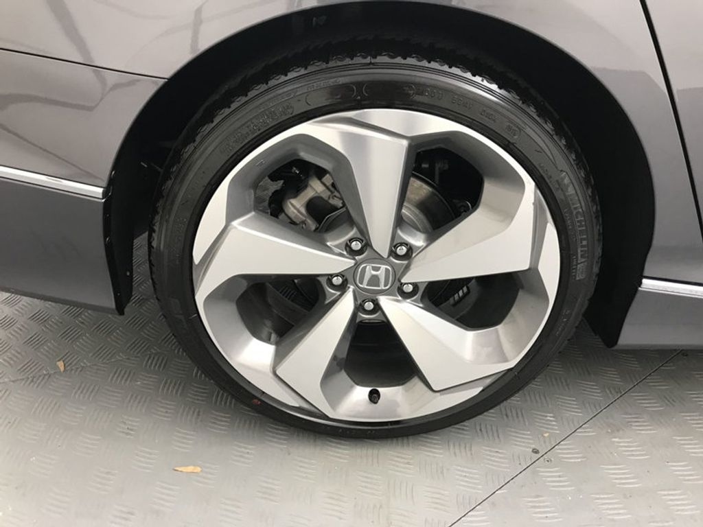 2018 Honda Accord Sedan Touring CVT - 17805378 - 15