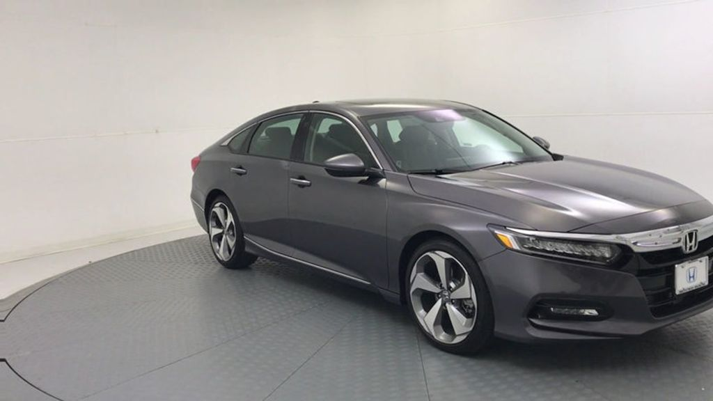 2018 Honda Accord Sedan Touring CVT - 18031136 - 1