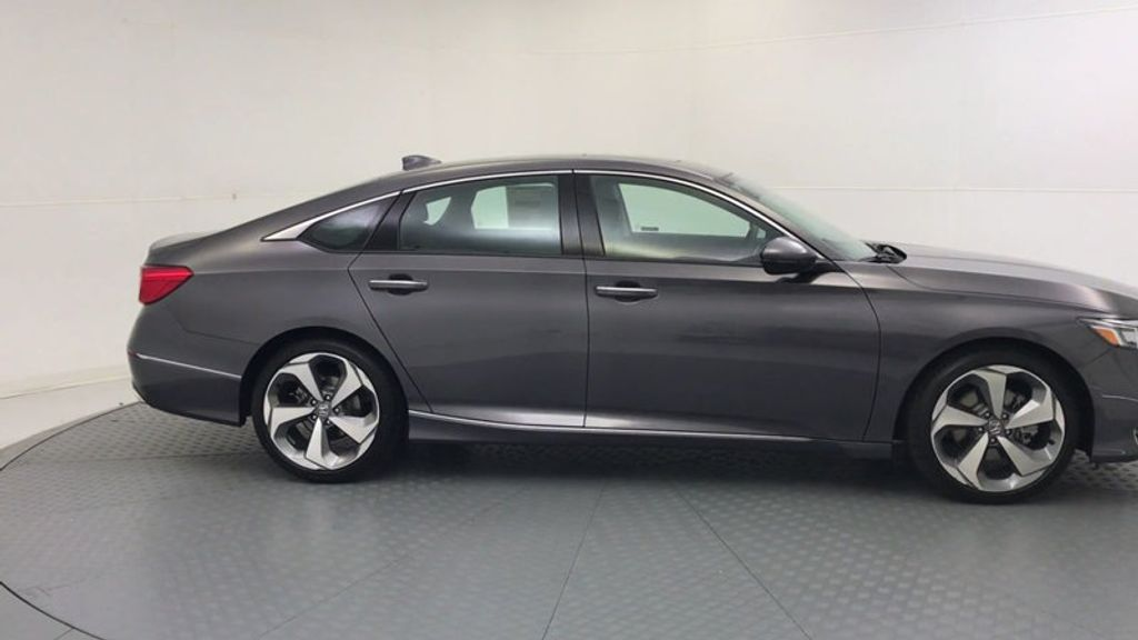 2018 Honda Accord Sedan Touring CVT - 18031136 - 8