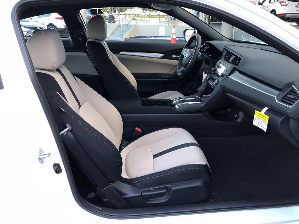 2018 Honda Civic Coupe LX CVT - 18150170 - 27