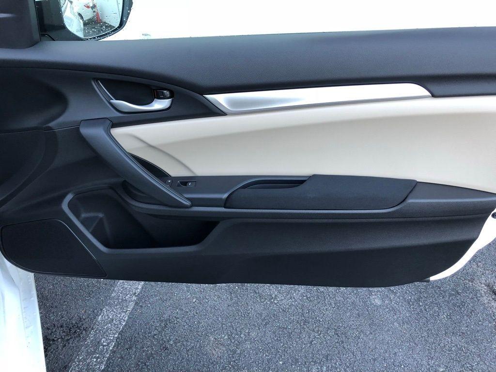 2018 Honda Civic Coupe LX CVT - 18150170 - 29