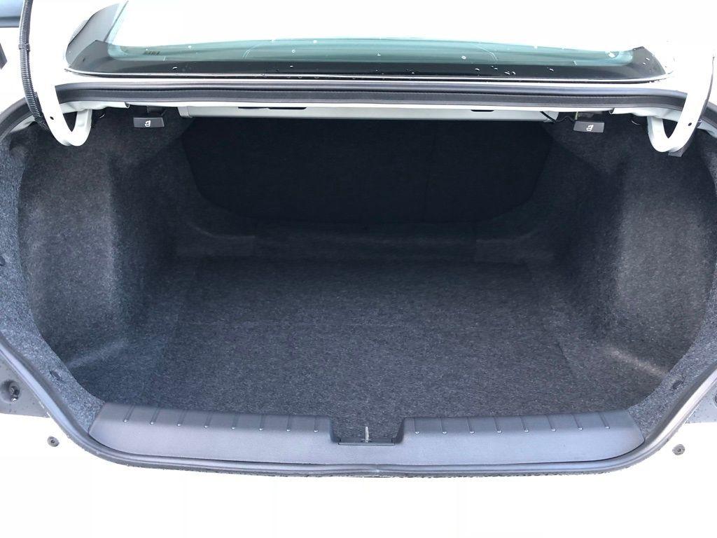 2018 Honda Civic Coupe LX CVT - 18150170 - 30