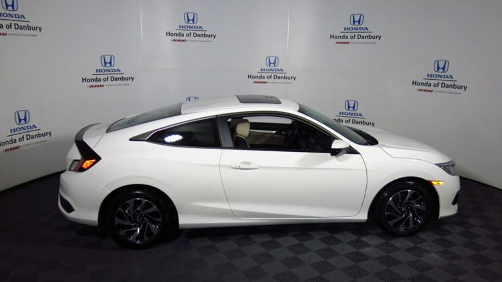 2018 Honda Civic Coupe LX-P CVT - 17898057 - 2