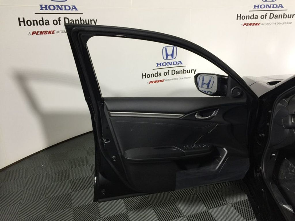 2018 Honda Civic Hatchback EX CVT - 17511648 - 11
