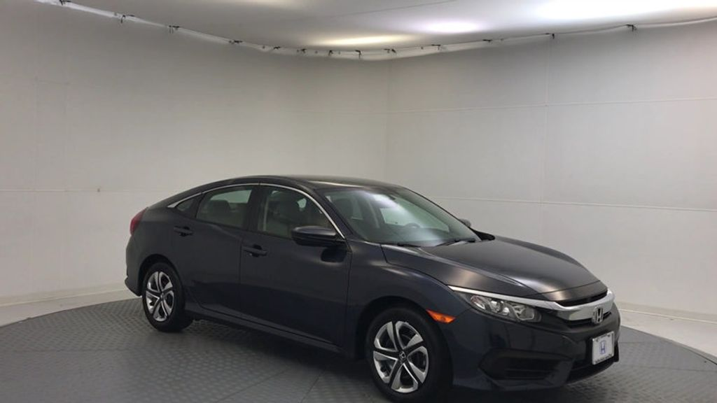 2018 Honda Civic Sedan LX CVT - 17038720 - 1