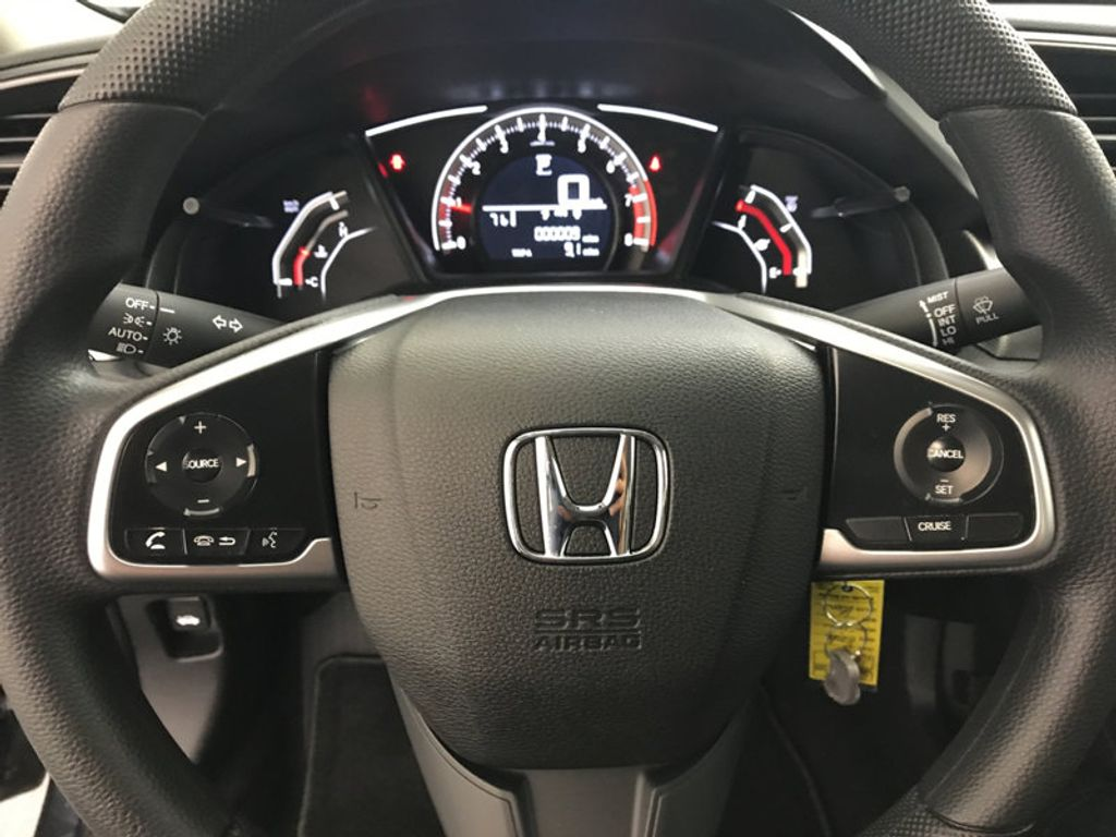 2018 Honda Civic Sedan LX CVT - 17038720 - 31