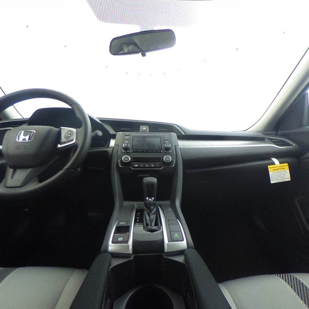 2018 Honda Civic Sedan LX CVT - 17038720 - 36