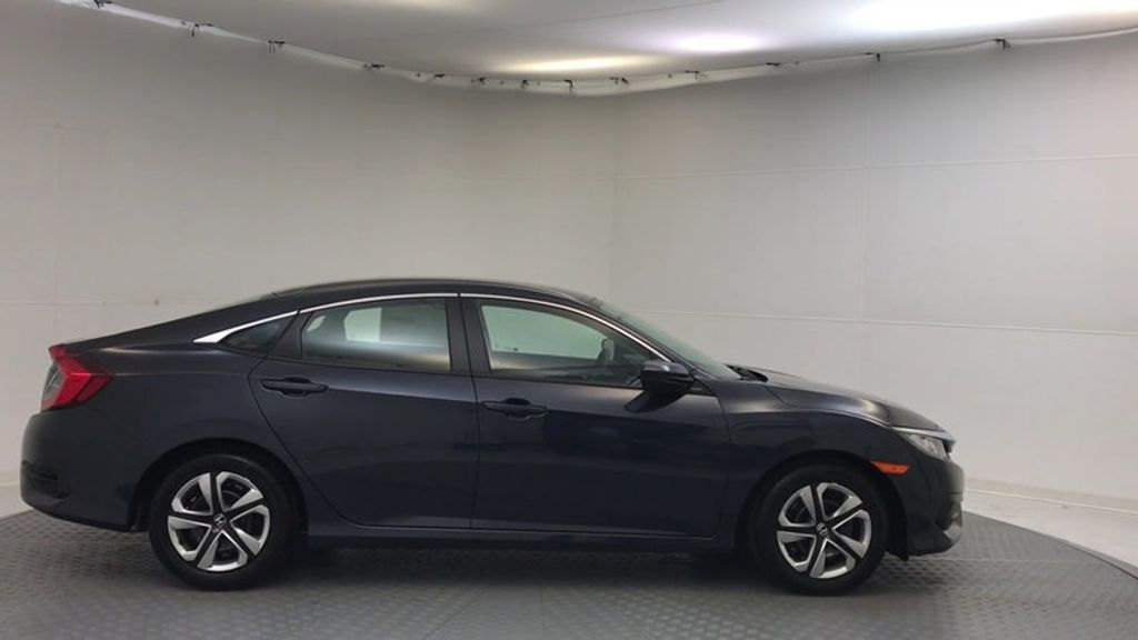 2018 Honda Civic Sedan LX CVT - 17038720 - 8