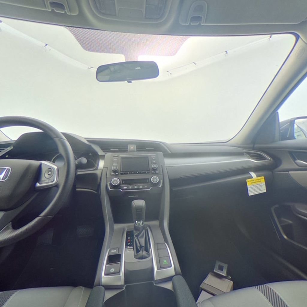 2018 Honda Civic Sedan LX CVT - 18077321 - 34