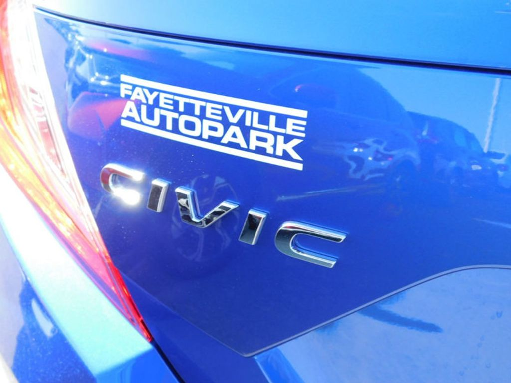 2018 Honda Civic Sedan Touring CVT - 17893696 - 4