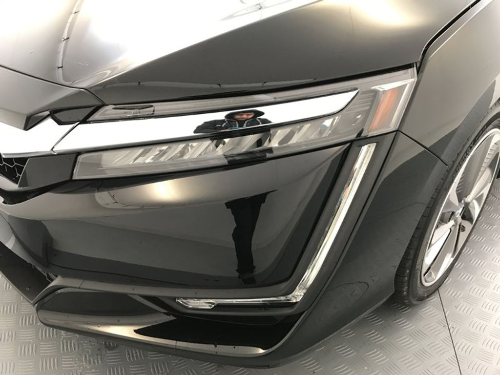 2018 Honda Clarity Plug-In Hybrid Touring Sedan - 17204923 - 9