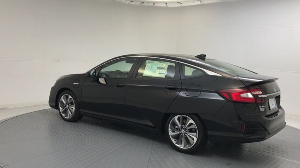 2018 Honda Clarity Plug-In Hybrid Touring Sedan - 17204923 - 5