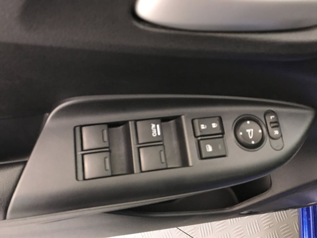 2018 Honda Fit LX Manual - 17105601 - 18