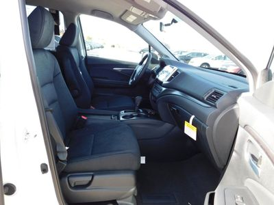 2018 Honda Pilot EX 2WD SUV - Click to see full-size photo viewer