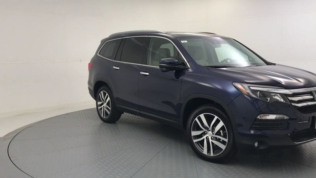 Dealer Video - 2018 Honda Pilot Touring 2WD - 18045250