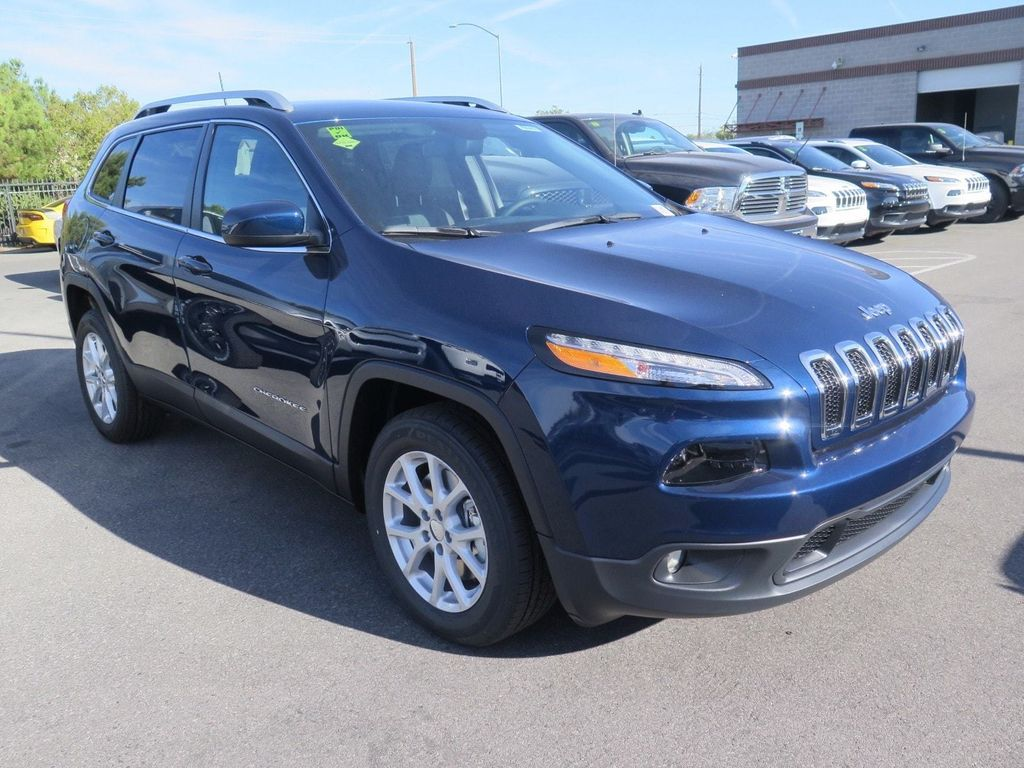 2018 Jeep Cherokee Latitude Plus FWD - 16949016 - 2